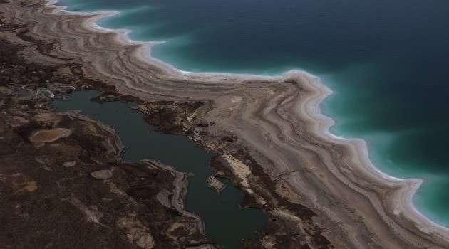 Vista aérea do Mar Morto mostra que o lugar está secando Foto: Forward/Reprodução