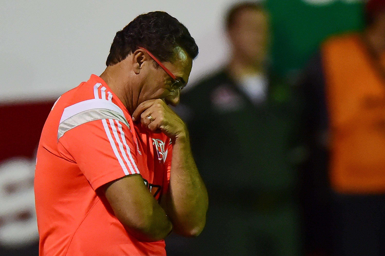 Luxemburgo teria discutido com repórter da Globo durante jogo Foto: Vinicius Costa/Futura Press