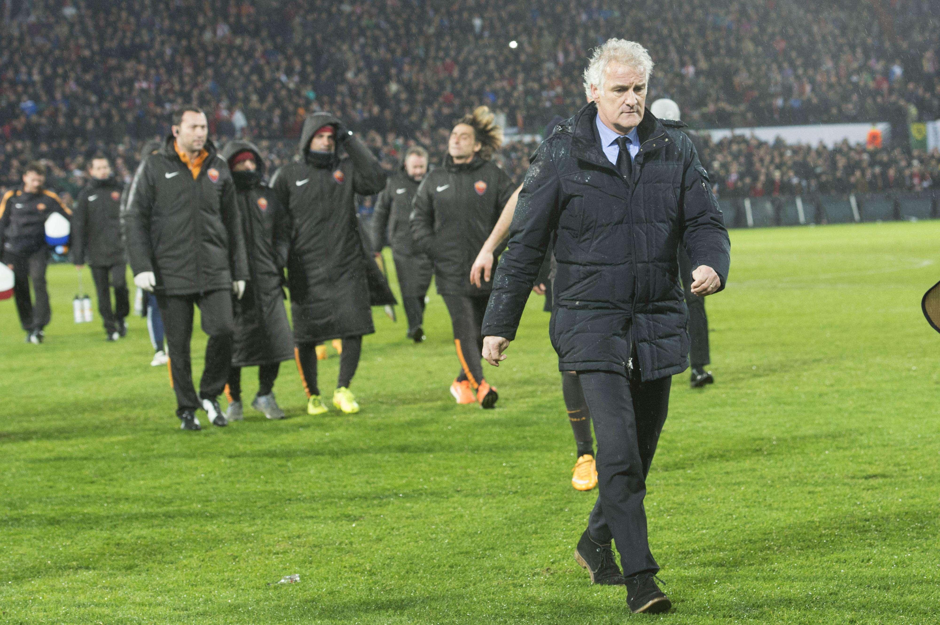 El partido entre Feyenoord y Roma fue considerado de alto riesgo. Foto: AP