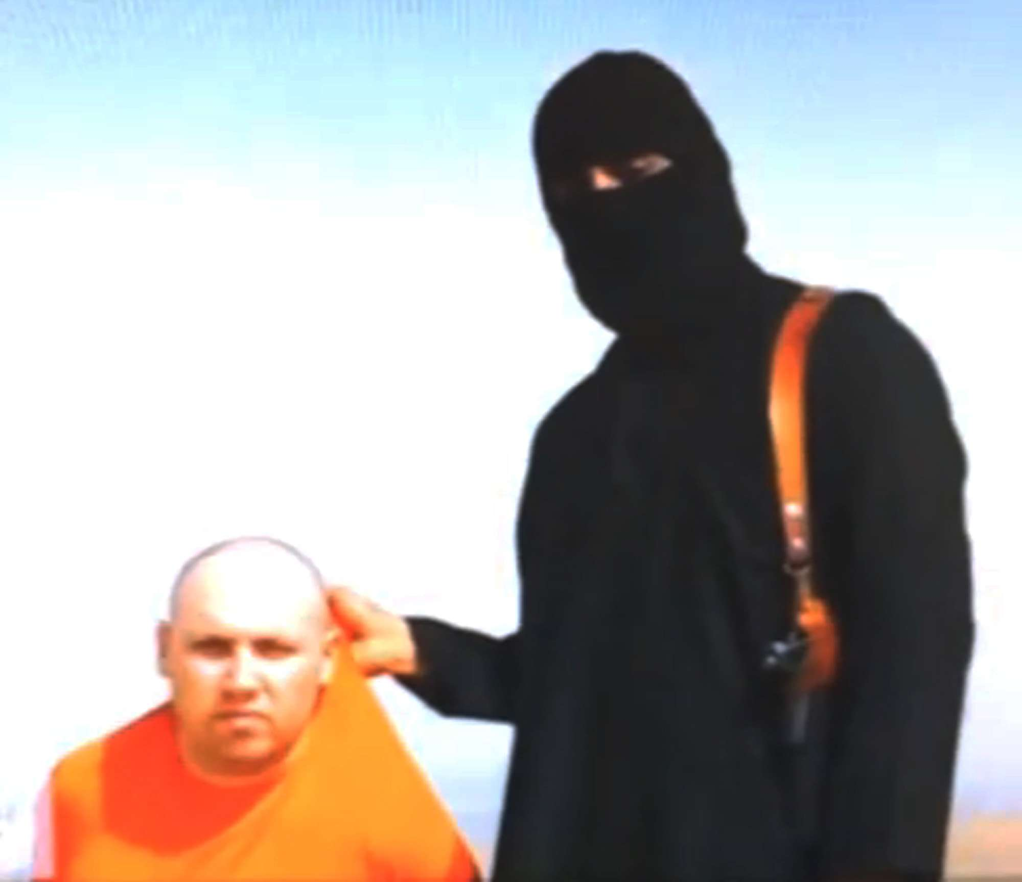"""El """"Yihadista John"""" aparece en el video de la ejecución del periodista estadounidense Steven Sotloff. Foto: AP en español"""