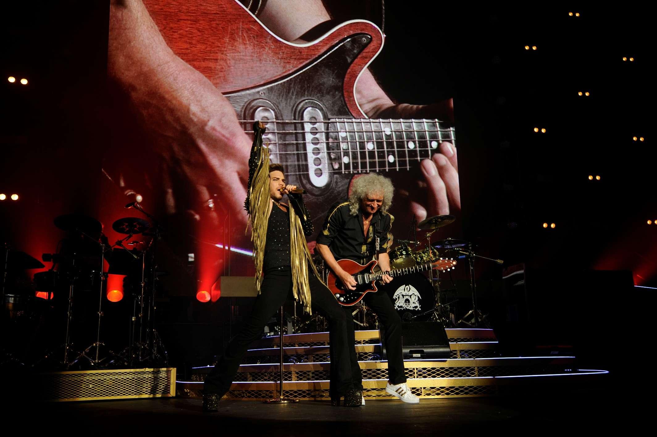 Adam Lambert se apresenta com o Queen desde 2011 Foto: Divulgação