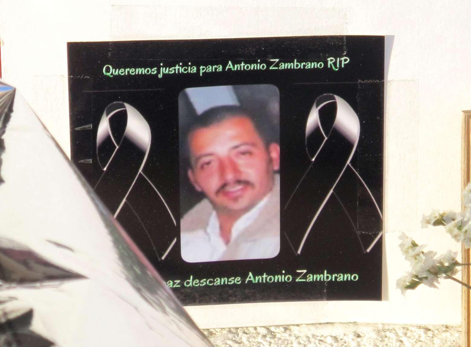 Foto de Antonio Zambrano Montes en un monumento en su memoria levantado en Pasco, Washington, el 19 de febrero del 2015. Foto: AP en español