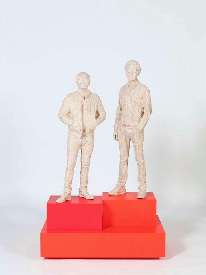 Las estatuas fueron hechas con madera de abedul y se crearon gracias al escaneo en 3D. Foto: Consequence of Sound