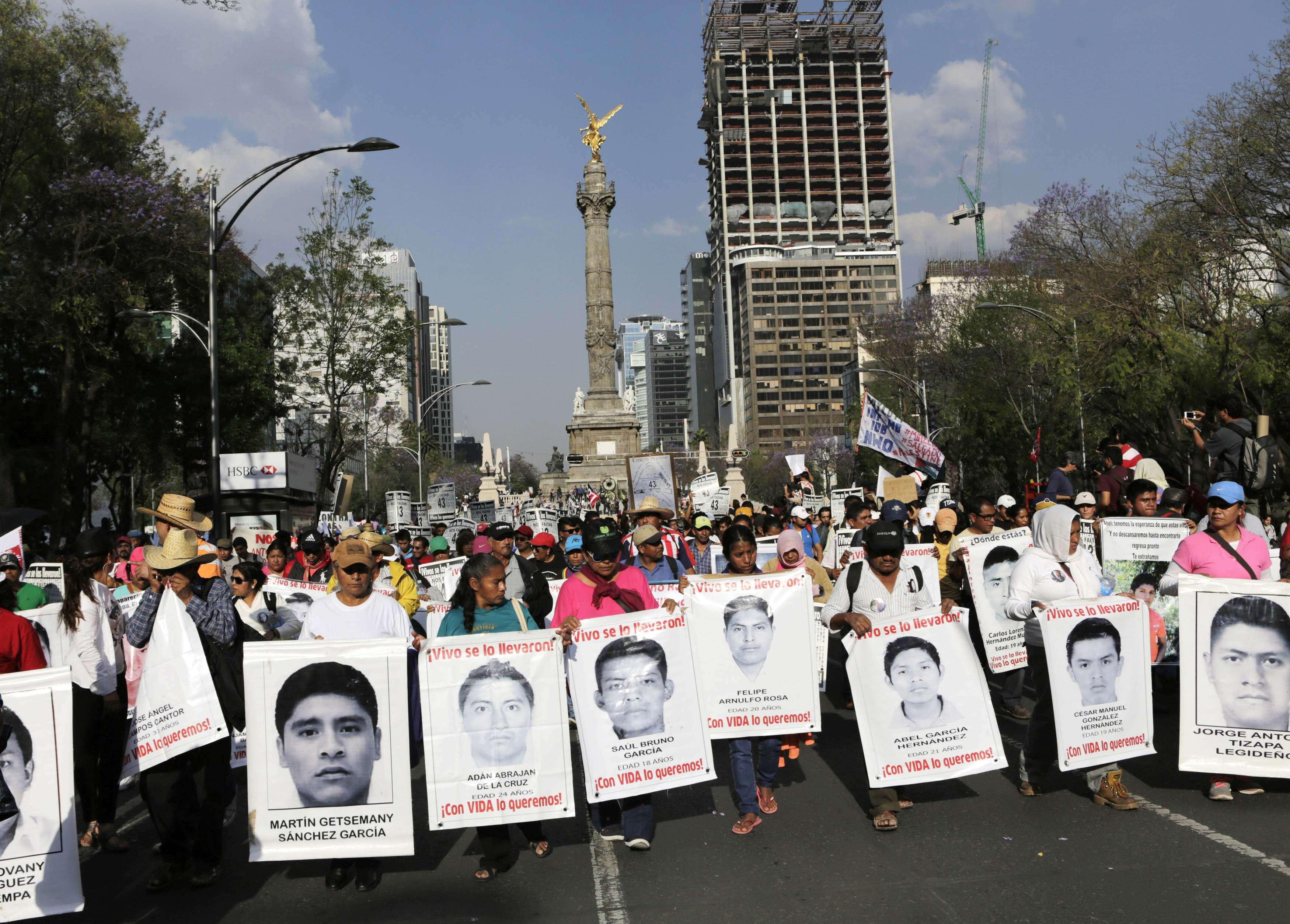Protestos em apoio às famílias dos desaparecidos Foto: Henry Romero/Reuters
