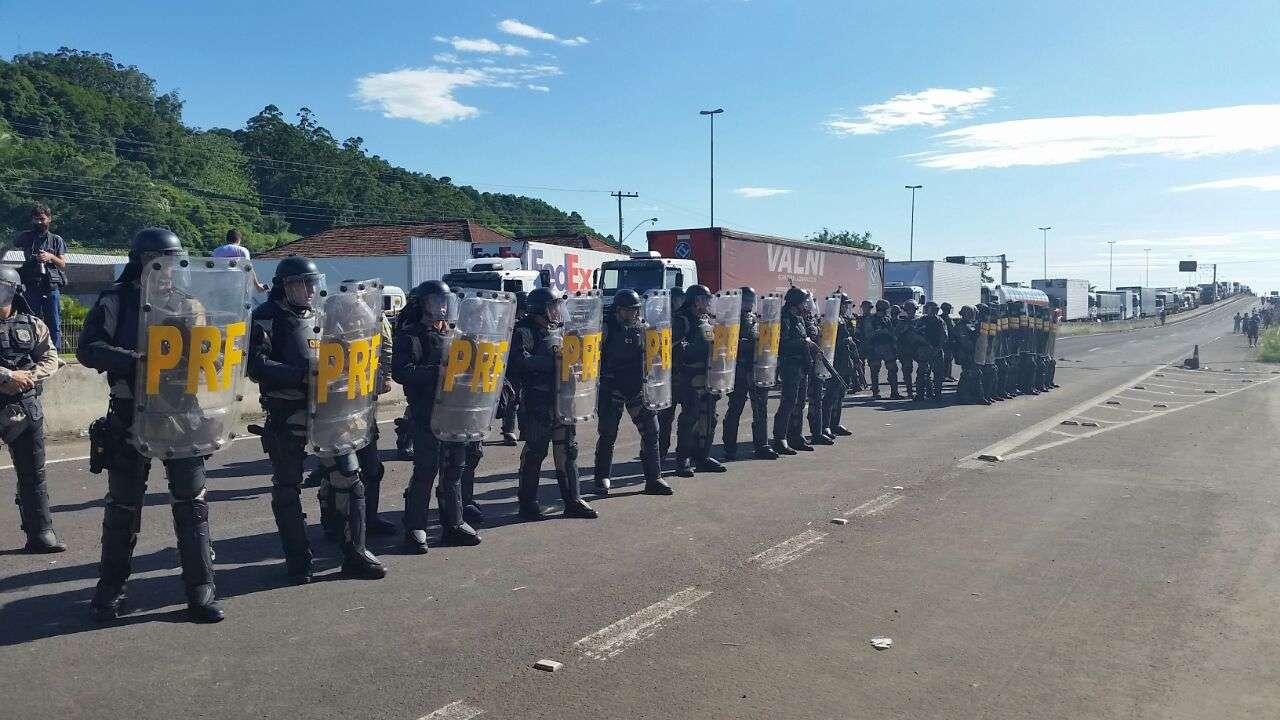 A situação ficou tensa durante a manhã Foto: Alessandro Castro/PRF-RS