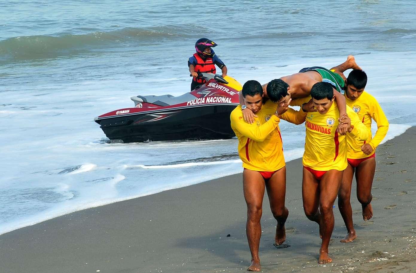 Rescates se produjeron en 108 playas y dos piscinas de Lima Foto: Mininter