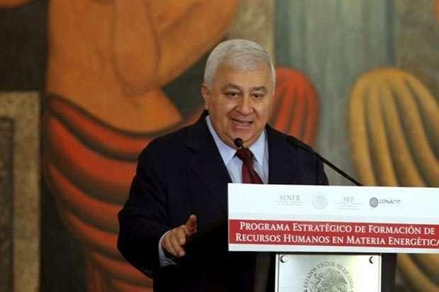 El titular de la SEP, Emilio Chuayffet, dijo que se requiere fortalecer la rectoría de la autoridad federal para la educación nacional. Foto: Reforma
