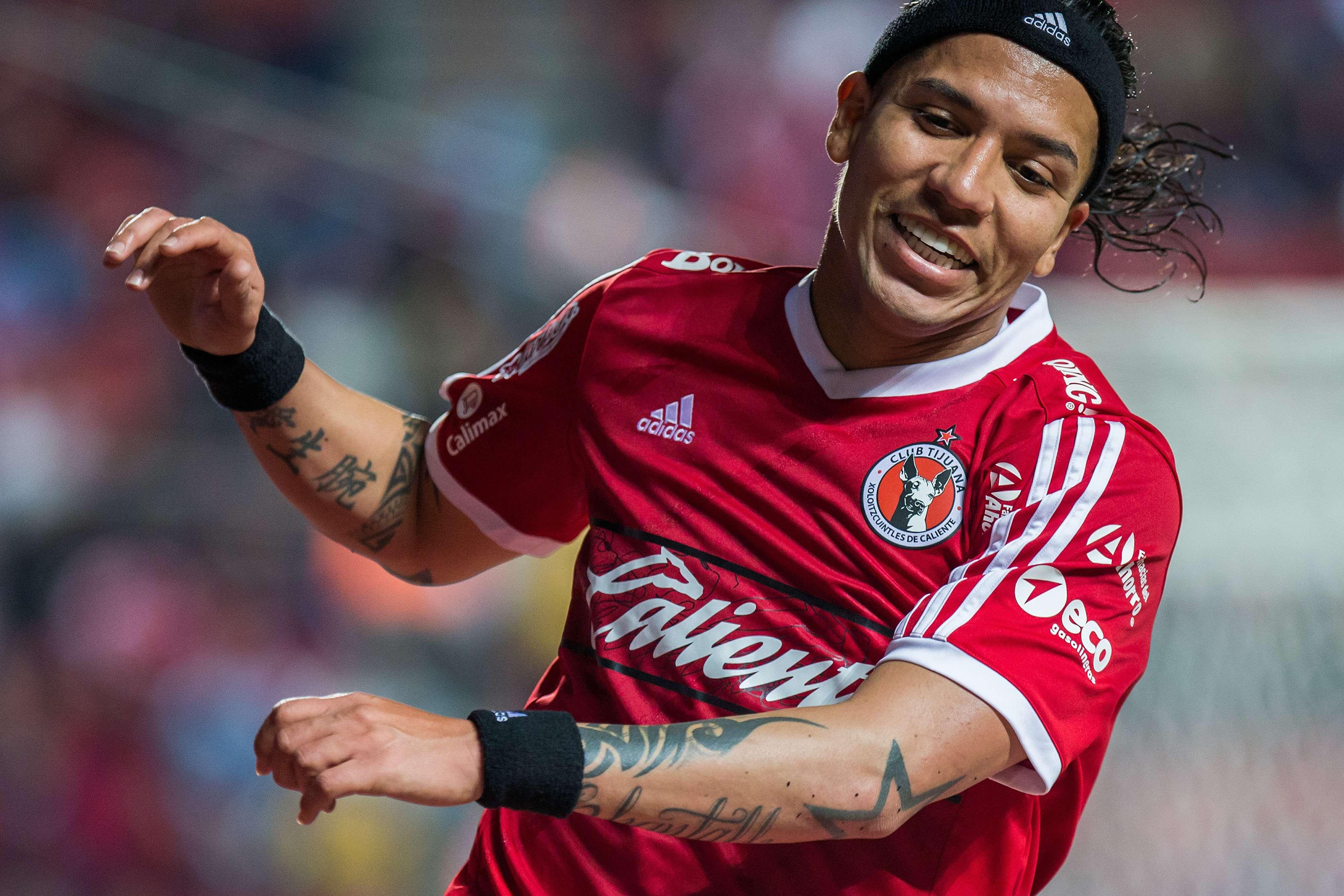 Dayro Moreno tuvo una de esas fallas históricas en el futbol. Foto: Mexsport