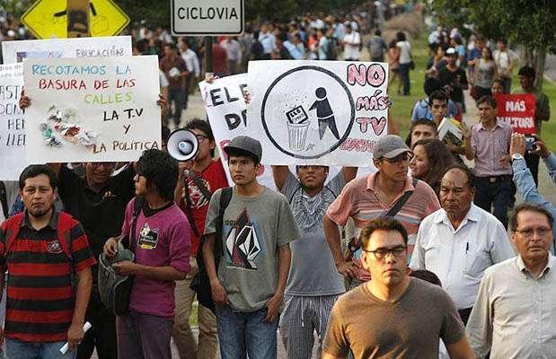 Marcha contra la TV basura. Foto: Facebook No a la TV basura