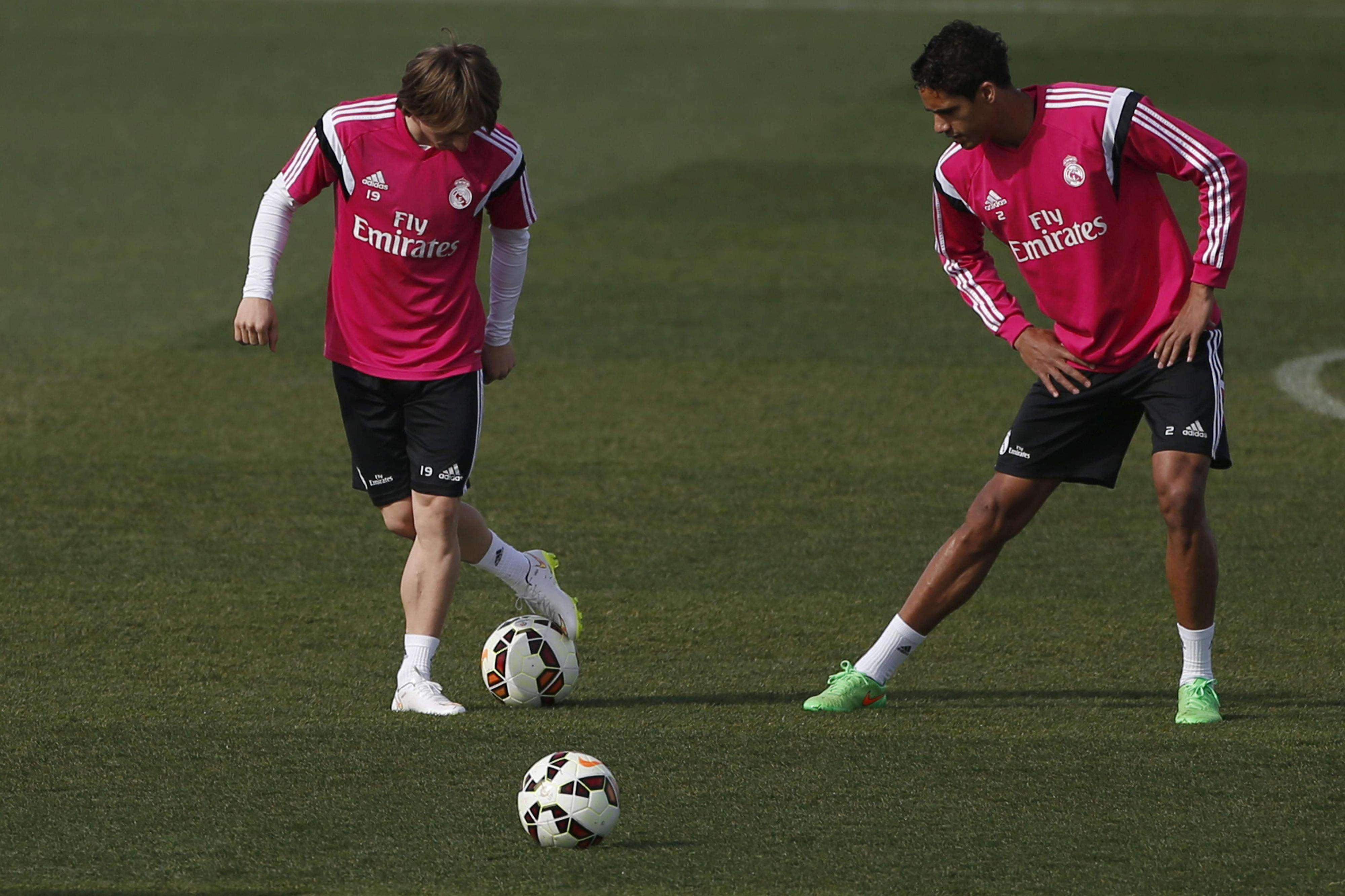 Luka Modric durante un entrenamiento con el Real Madrid (28/2/2015). Foto: EFE en español