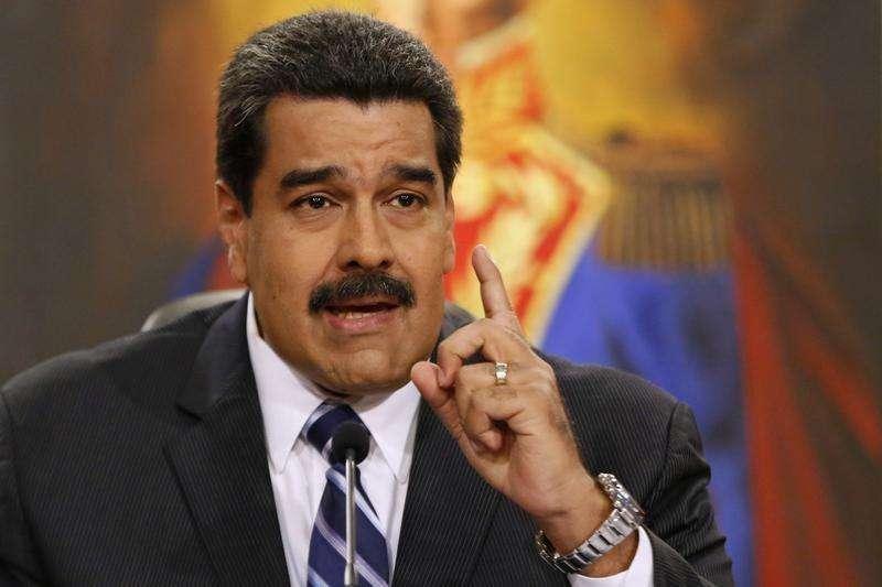 El presidente de Venezuela, Nicolás Maduro, hablando durante una conferencia de prensa en el Palacio de Miraflores en Caracas. 30 diciembre 2014. Foto: Carlos Garcia Rawlin/Reuters