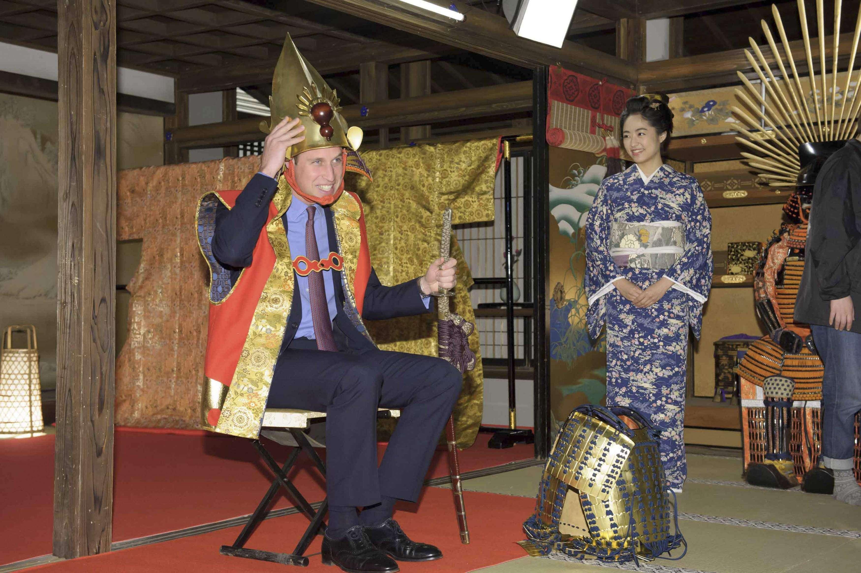 Príncipe vestiu roupa típica dos samurais Foto: Reuters
