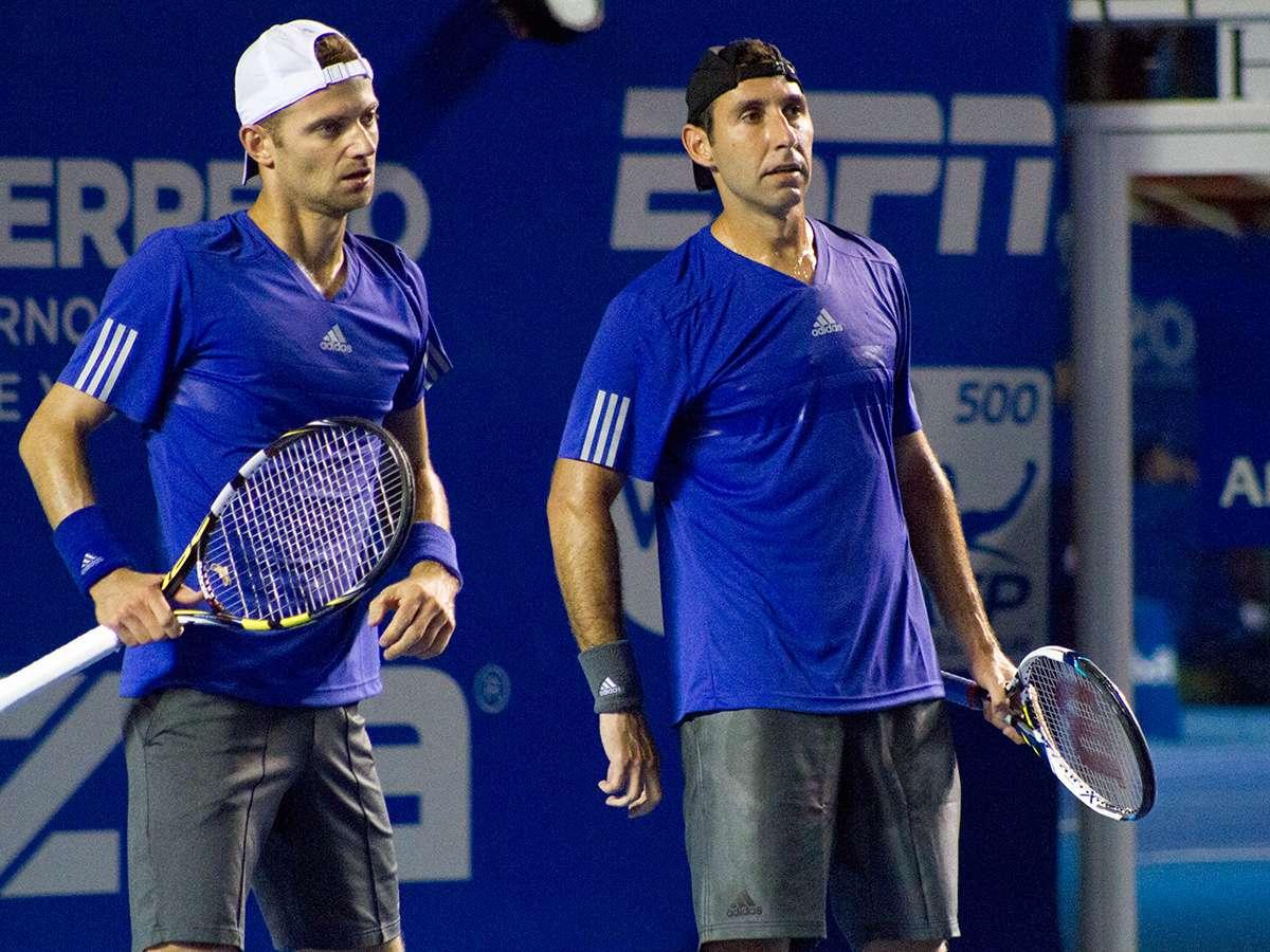 Mariusz Fyrstenberg (izq.) y Santiago González tendrán el apoyo absoluto del público esta noche para la Final de dobles del Abierto Mexicano de Tenis. Foto: Ricardo Otero/Terra