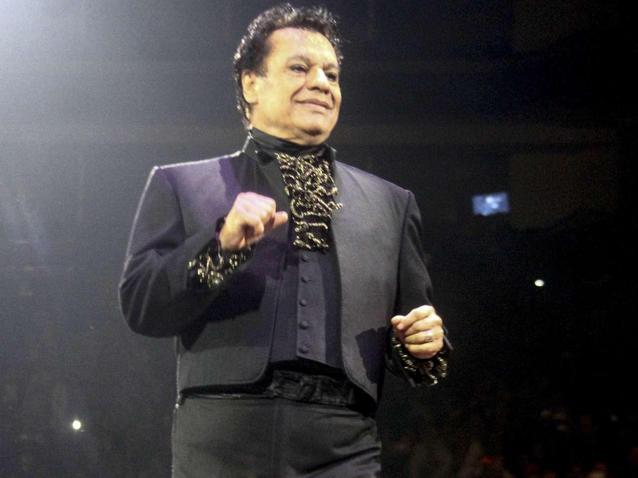 Juan Gabriel se había mantenido lejos de los escenarios luego de los problemas de salud que lo obligaron a cancelar varios conciertos. Foto: Medios y Media