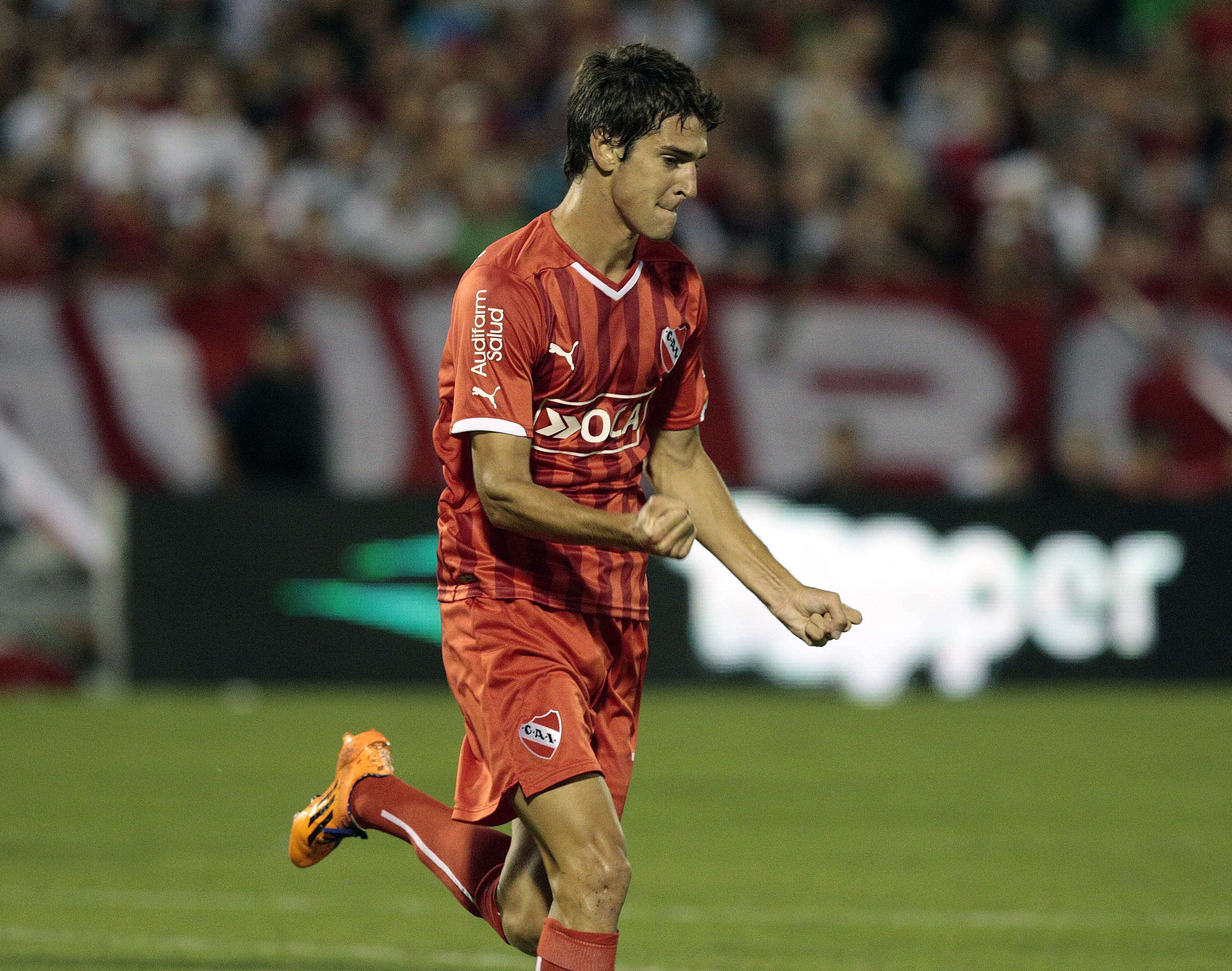 Albertengo le dio la ventaja final a Independiente en un contragolpe letal. Foto: NA