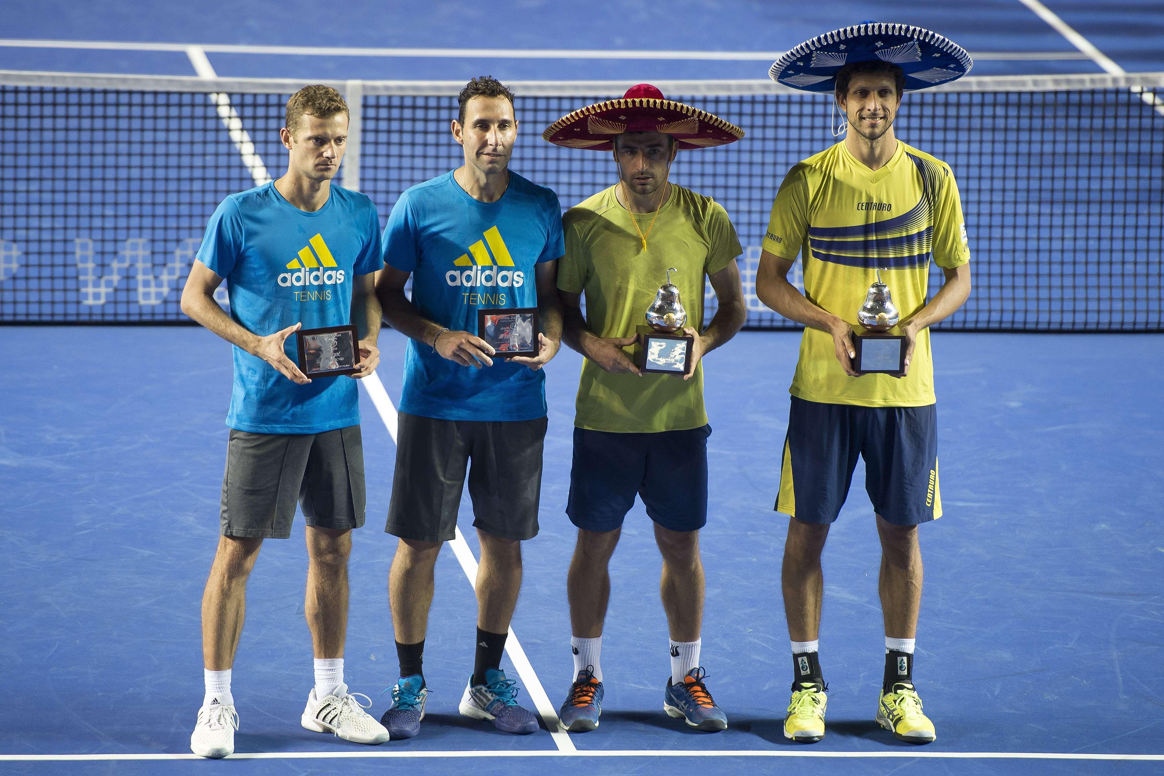 Premiación de los campeones y subcampeones en dobles varonil del Abierto Mexicano de Tenis Foto: Mexsports