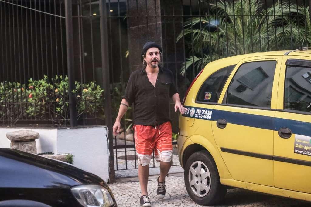 O festejo durou até as primeiras horas da manhã deste domingo (01); Alexandre Nero foi visto saindo do local animado Foto: AgNews