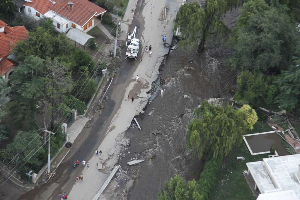 Más lluvias y tormentas afectan gran parte de la zona de Sierras Chicas en Córdoba y se espera que se generalicen en el resto de la región. Foto: NA