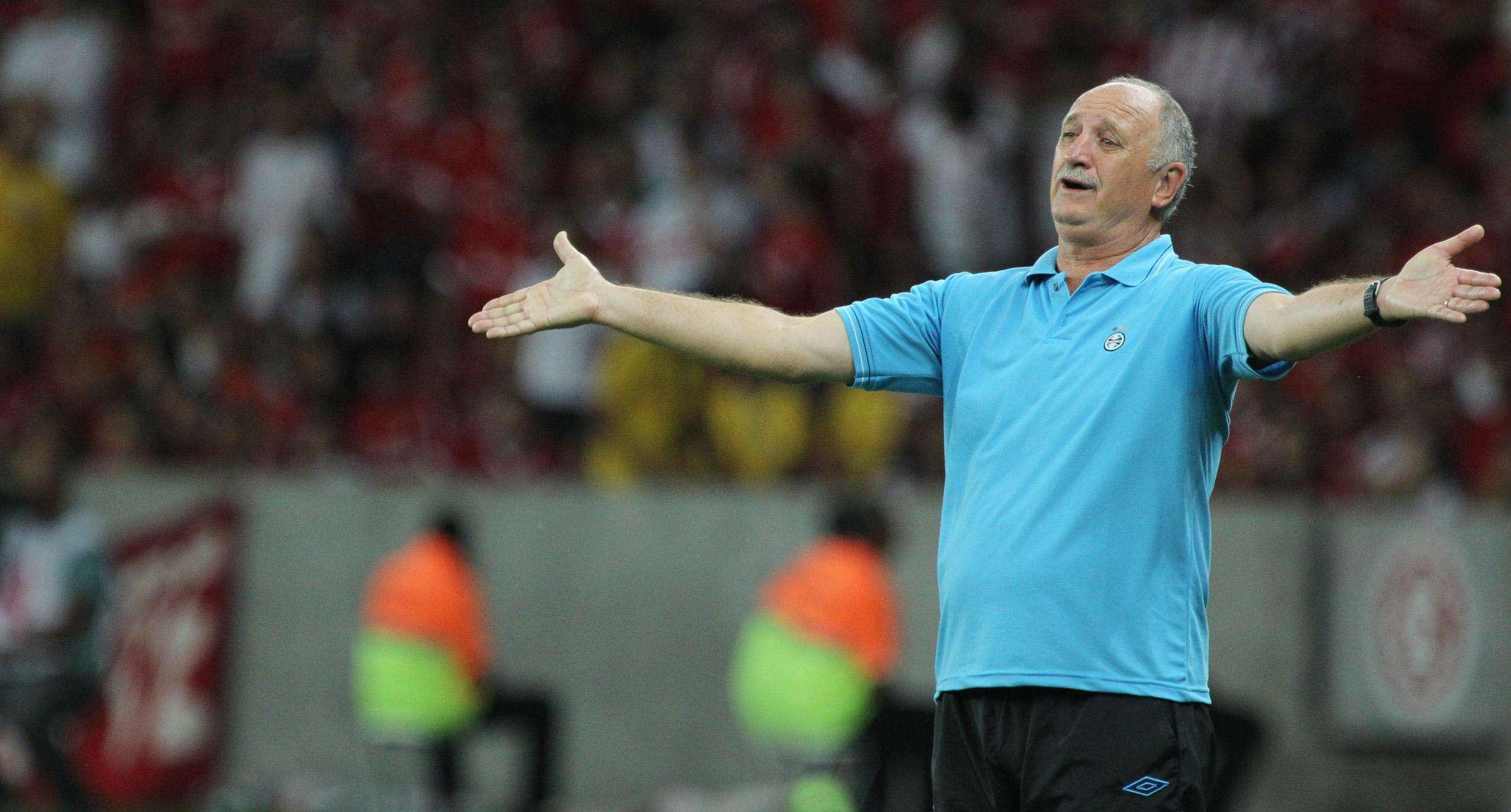 Felipão reclama em duelo contra o Inter pelo Estadual Foto: Gustavo Granata / Agif/Gazeta Press