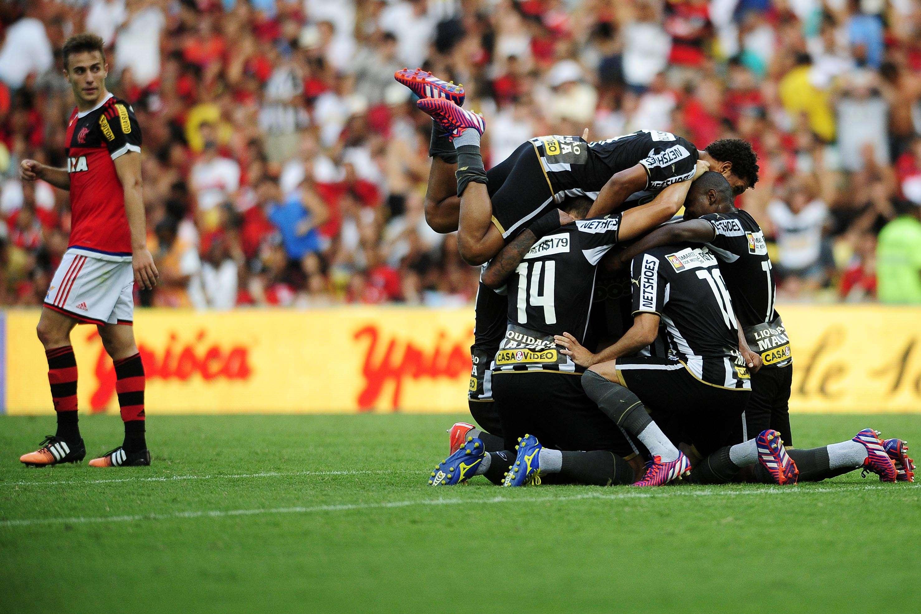 Botafogo venceu o Flamengo por 1 a 0 e voltou à liderança do Carioca Foto: Dhavid Normando/Futura Press