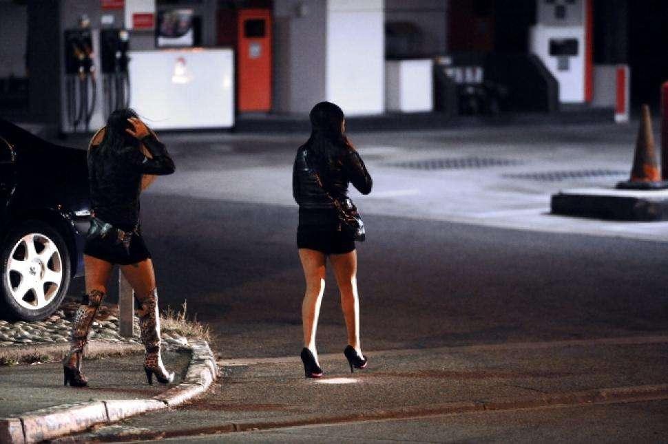 El jefe policial Stephen Johnson arregló un encuentro con dos mujeres en un hotel en Dania Beach, Florida. Foto: Twitter