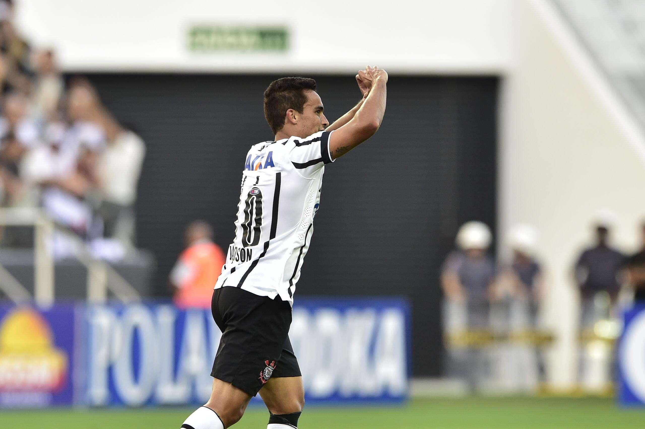 """Jadson preferiu Corinthians a China e marcou golaço em primeiro jogo após """"fico"""" Foto: Fernando Dantas/Gazeta Press"""