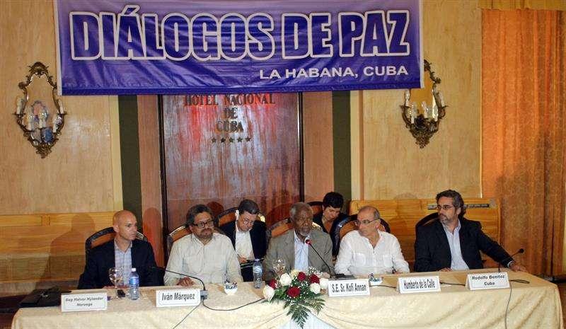 Cada vez más delegados internacionales se involucran en los diálogos de paz en Cuba. Foto: EFE en español
