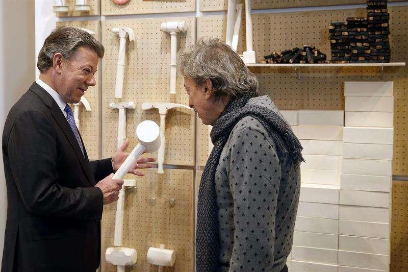 El presidente de Colombia, Juan Manuel Santos, visita ARCO en España. Foto: EFE en español
