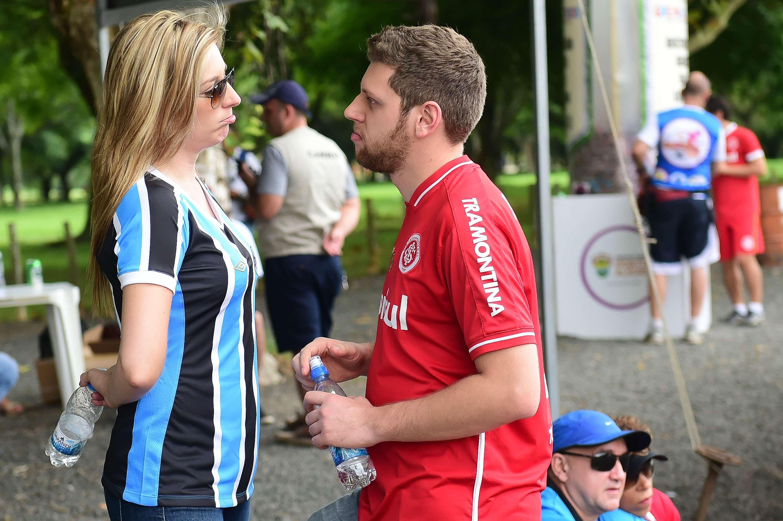 Fotos de torcedores de Internacional e Grêmio chegando para o setor misto Foto: Vinicius Costa/Futura Press