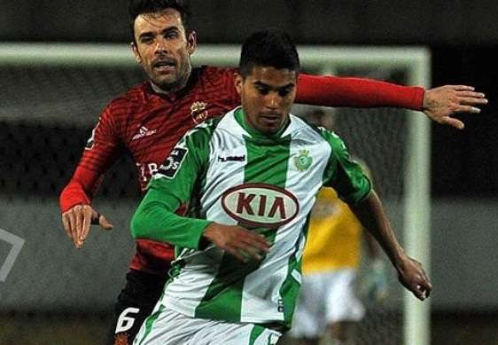 Ulises Dávila jugó su primer partido como titular en el Vitoria Setubal. Foto: Twitter de Ulises Dávila