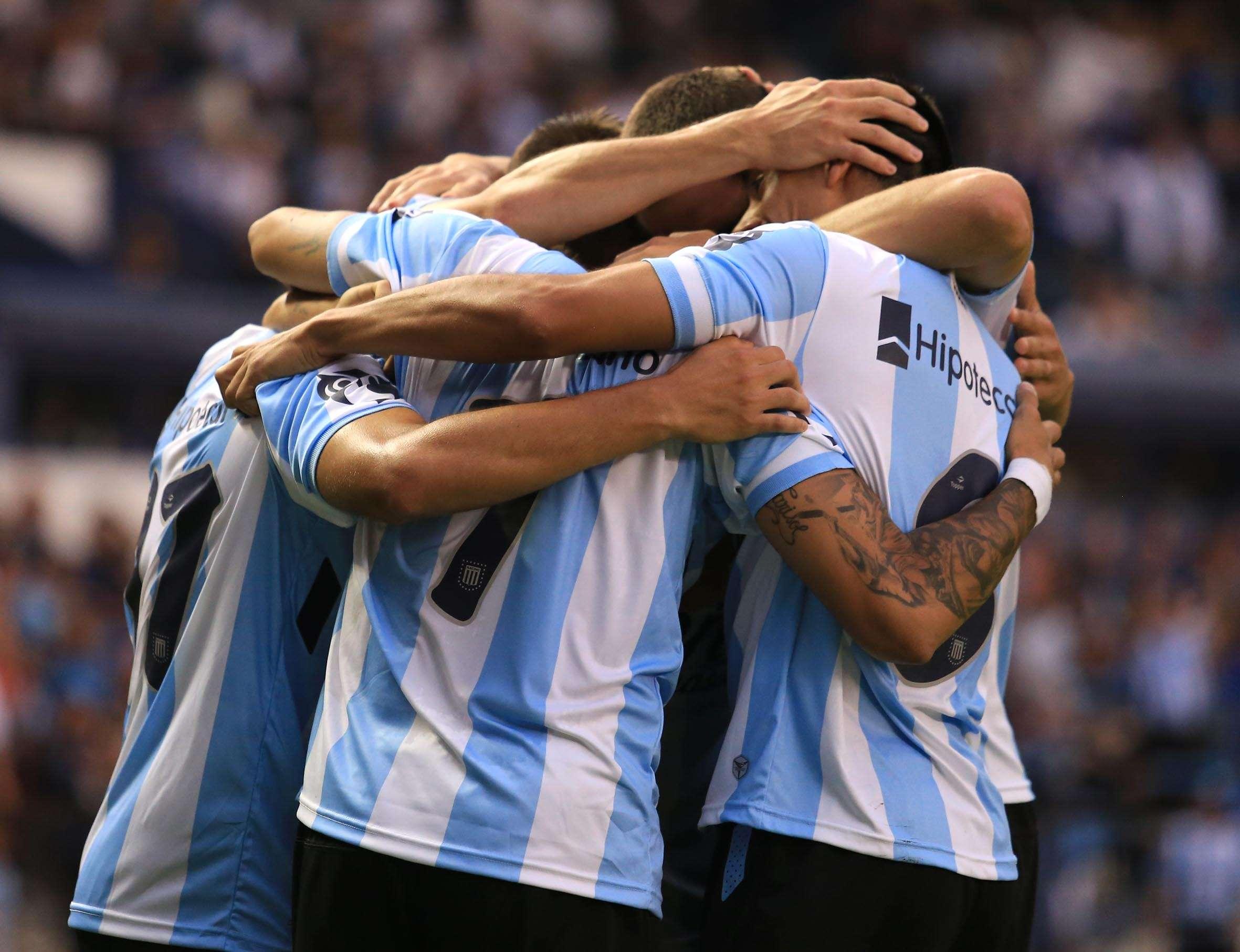 Racing festejó en el estadio Juan Domingo Perón su primera victoria en el torneo largo. Foto: NA