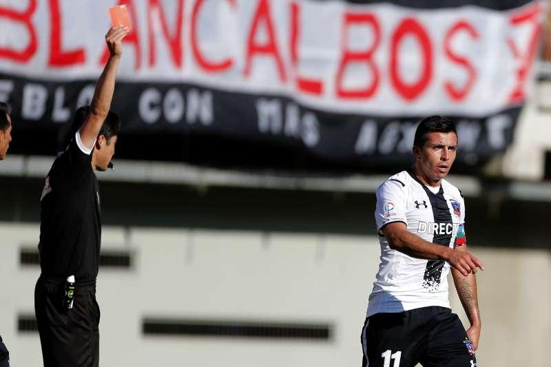 Gonzalo Fierro fue expulsado ante Ñublense. Foto: Photosport