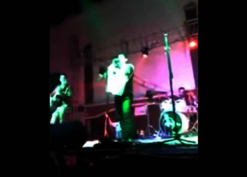 El video muestra el momento del balazo. Foto: Reproducción Youtube