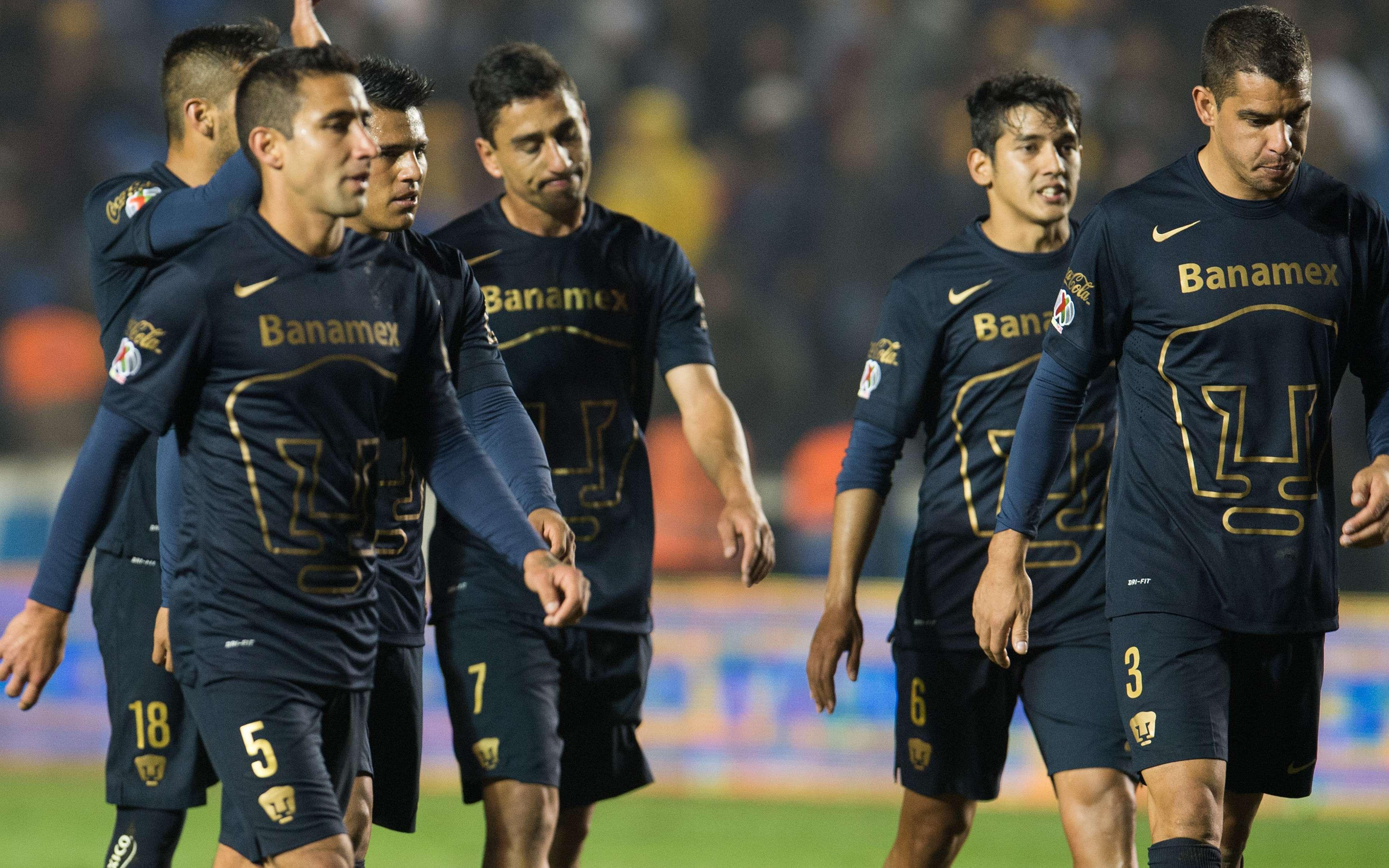 Gerardo Alcoba (derecha) es seguido por Silvio Torales y Jonathan Ramis, los tres son los últimos refuerzos de Pumas. Foto: Mexsport