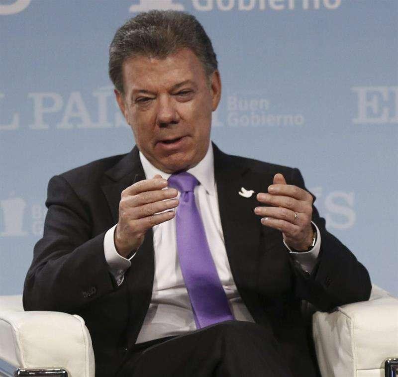 El presidente de Colombia, Juan Manuel Santos, durante el Foro por la Paz en Colombia celebrado en Madrid, España, el 2 de febrero. Foto: Sergio Barrenechea/EFE
