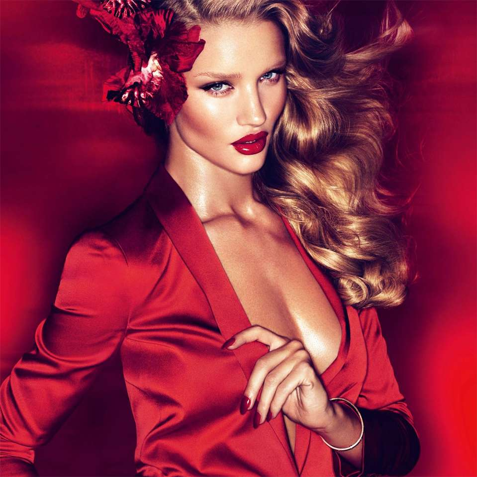 Rosie Huntington-Whiteley. Foto: Vogue UK Magazine