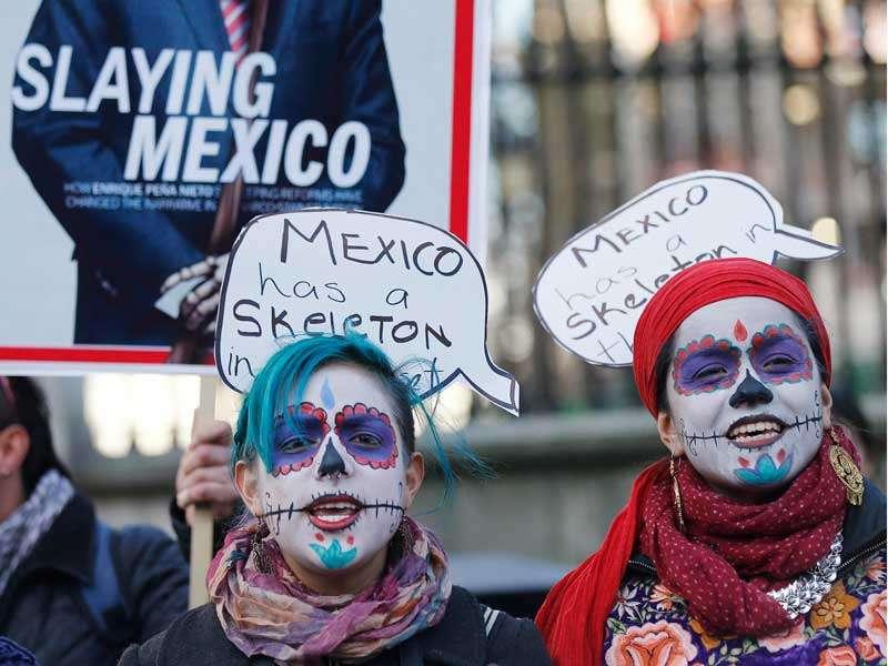 Ante la llegada de Peña, la organización Amnistía Internacional convocó el martes una protesta ante la embajada mexicana en la capital británica. Foto: Reuters en español