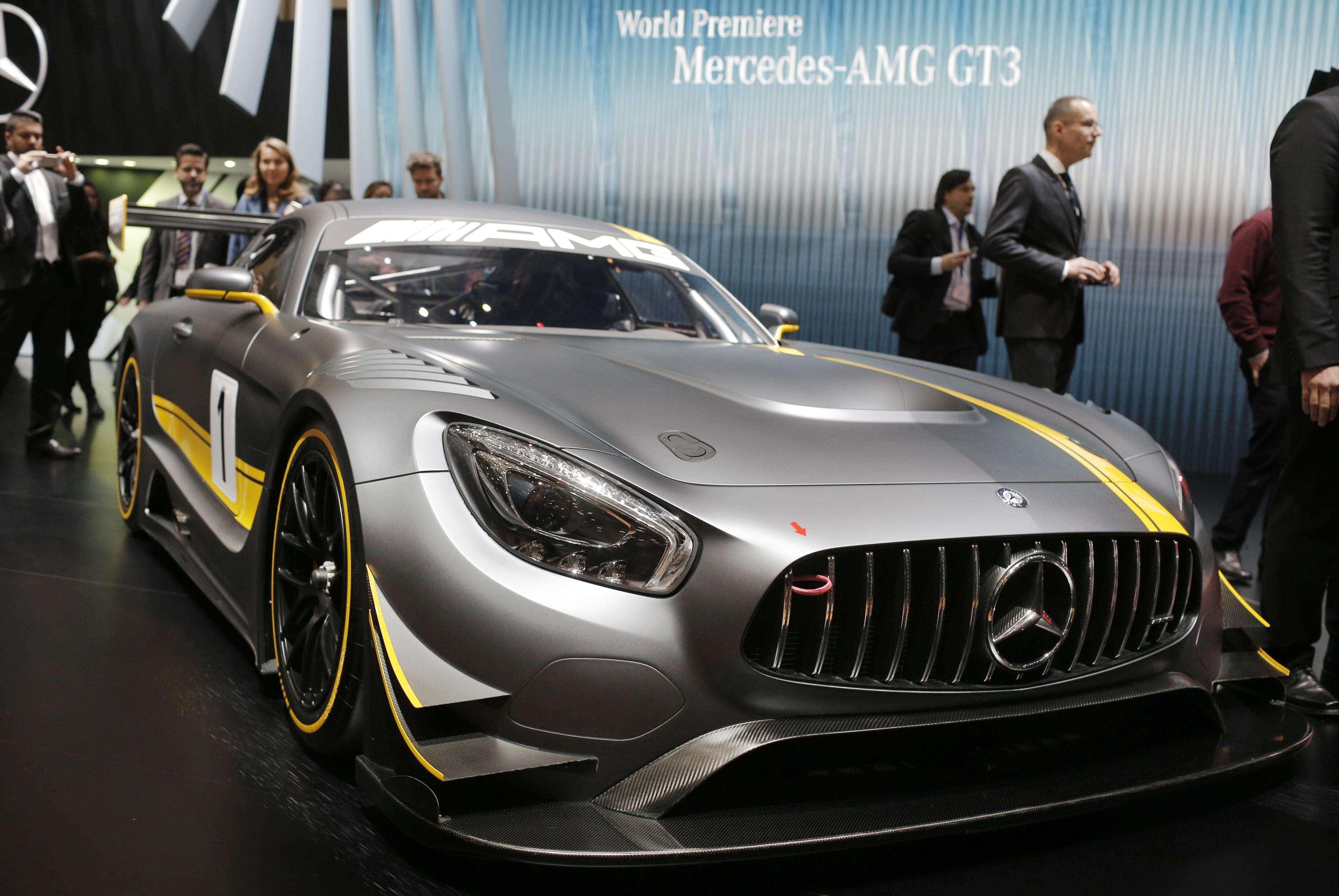 El Mercedes-AMG GT3, presentado en el Salón del Automóvil de Ginebra 2015. Foto: AP Photo