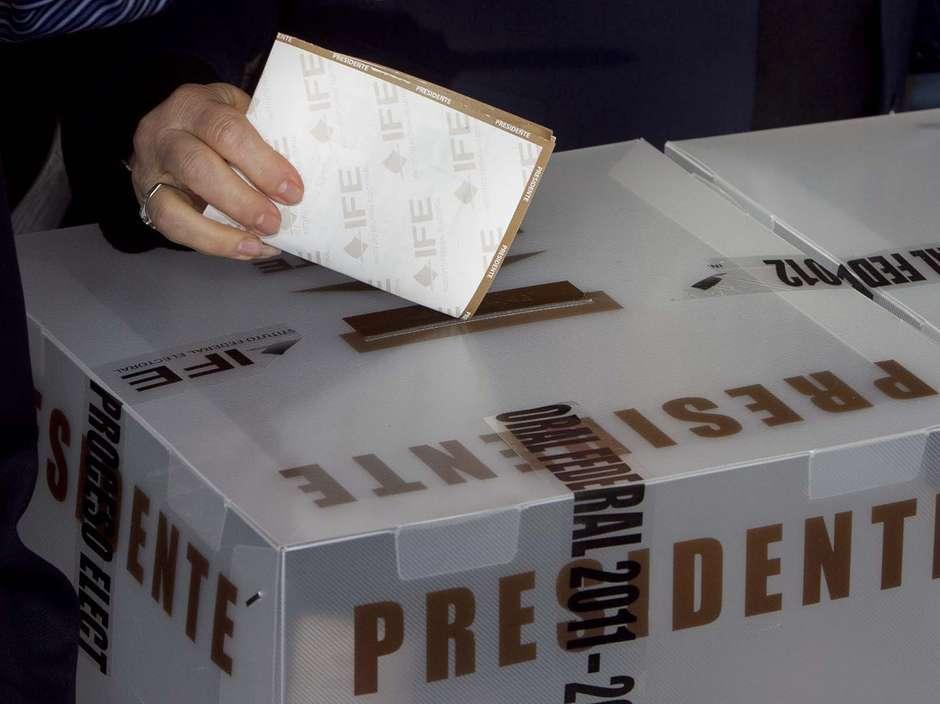 El gobernante Partido Revolucionario Institucional (PRI) y el conservador Partido Acción Nacional (PAN) encabezan las preferencias del electorado con 31 % y 26 % respectivamente, a poco más de tres meses de las elecciones del 7 de junio en México, reveló hoy una encuesta. Foto: Terra
