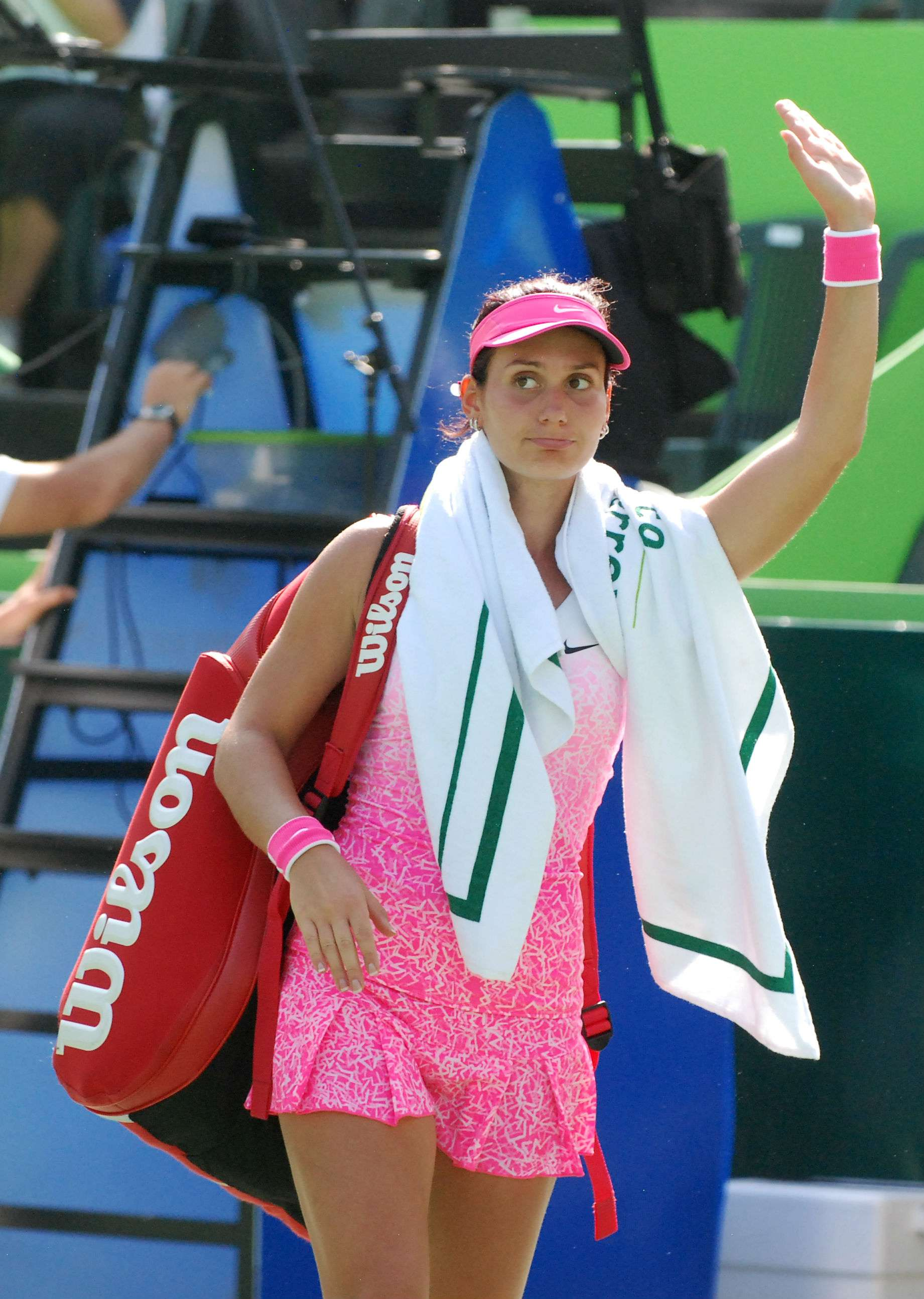Jovana Jaksic al quedar eliminada en la primera ronda del Abierto de Tenis Monterrey. Foto: Emilio López/Terra