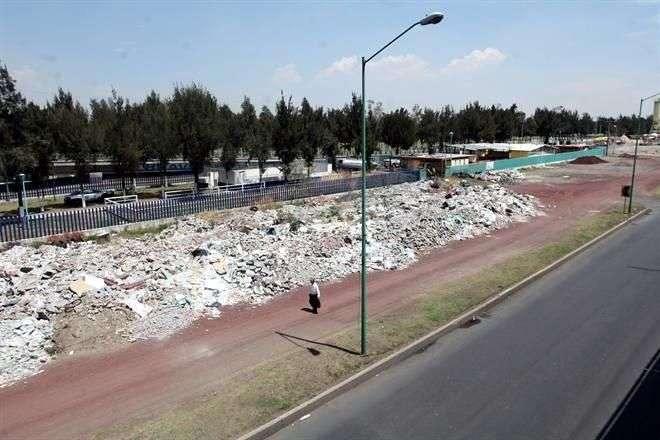 Tras cerrar el Bordo, el GDF ha tenido proyectos para construir un tiradero propio o crear centros integrales de reciclado, pero no se han concretado. Foto: Miguel Fuantos/Reforma