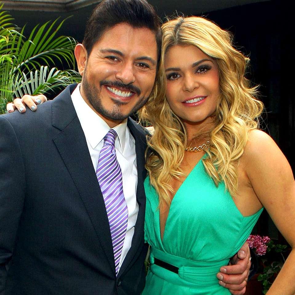 Itatí Cantoral y Ernesto Laguardia vuelven a las telenovelas mexicanas como protagonistas de 'Amores con Trampa'. Foto: Medios y Media