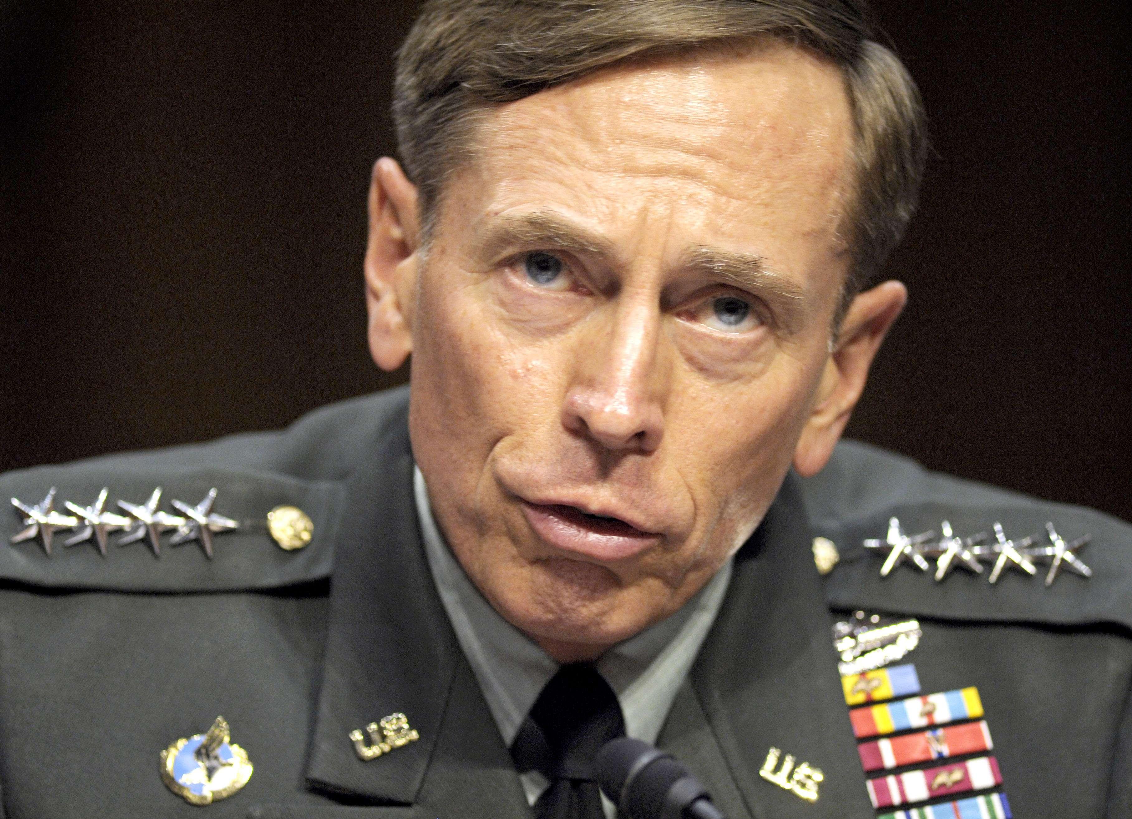 David Petraeus, exdirector de la CIA, en foto de archivo del 23 de junio del 2011. Foto: AP en español