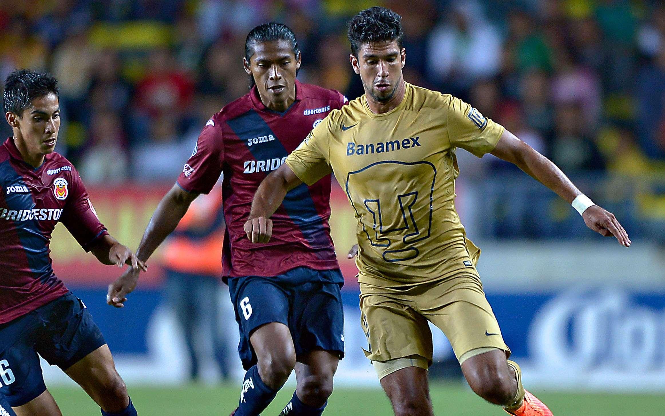 Eduardo Herrera marcó un gol en el último enfrentamiento entre Pumas y Monarcas Morelia, en el que los felinos ganaron 3-2 en el Morelos. Foto: Mexsport