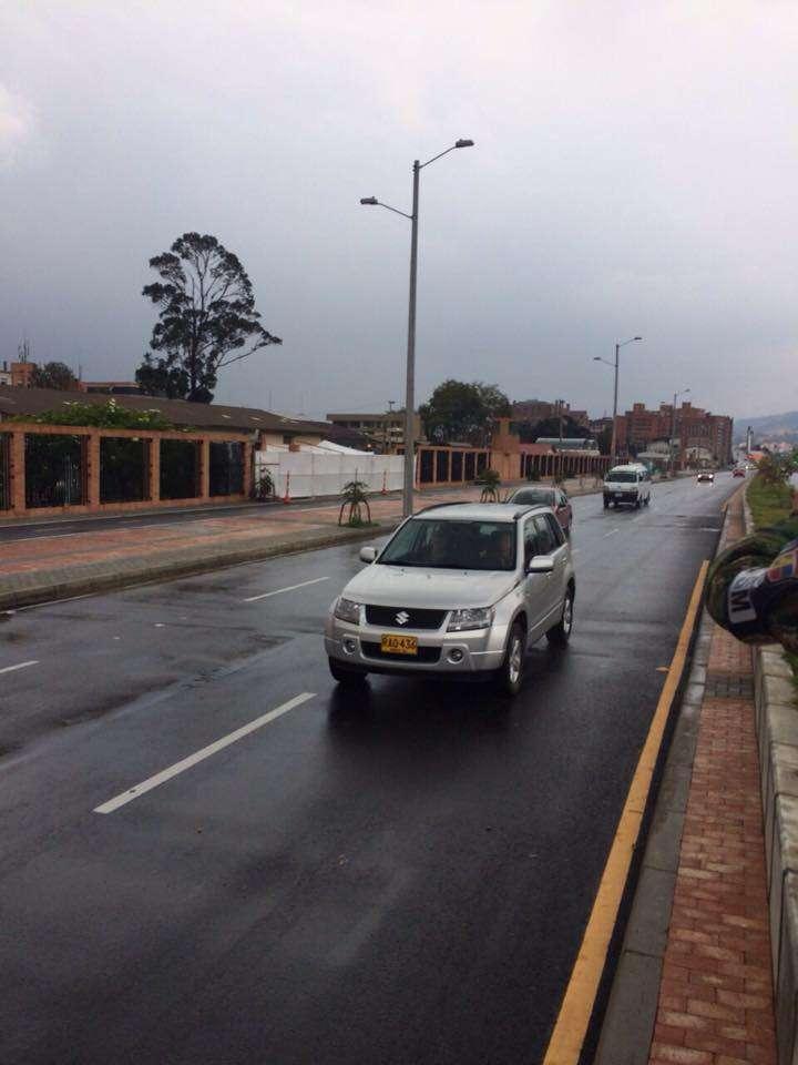 A las 3 de la tarde se rehabilitó el tránsito vehicular en la Carrera 11 entre Calles 100 y 106. Foto: Secretaría de Movilidad/Facebook