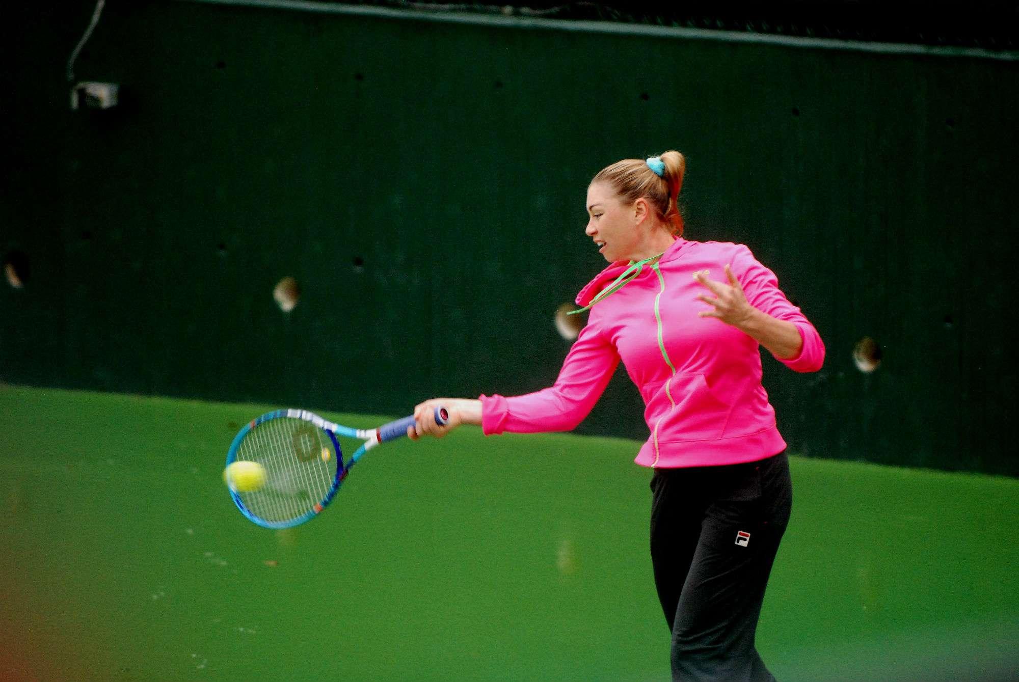 Vera Zvonareva al realizar el entrenamiento en las instalaciones del Club Sonoma en Monterrey. Foto: Terra