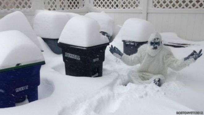 Os americanos aproveitam a neve para se divertir Foto: BBC/BBC Brasil
