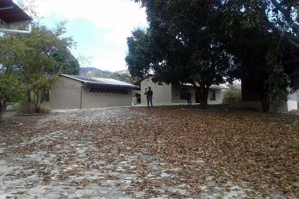 """Nazario Moreno, """"El Chayo"""", fundador e ideólogo del cártel de Los Caballeros Templarios, contaba con su propio centro de relajación y curación en la sierra michoacana. Foto: Reforma"""
