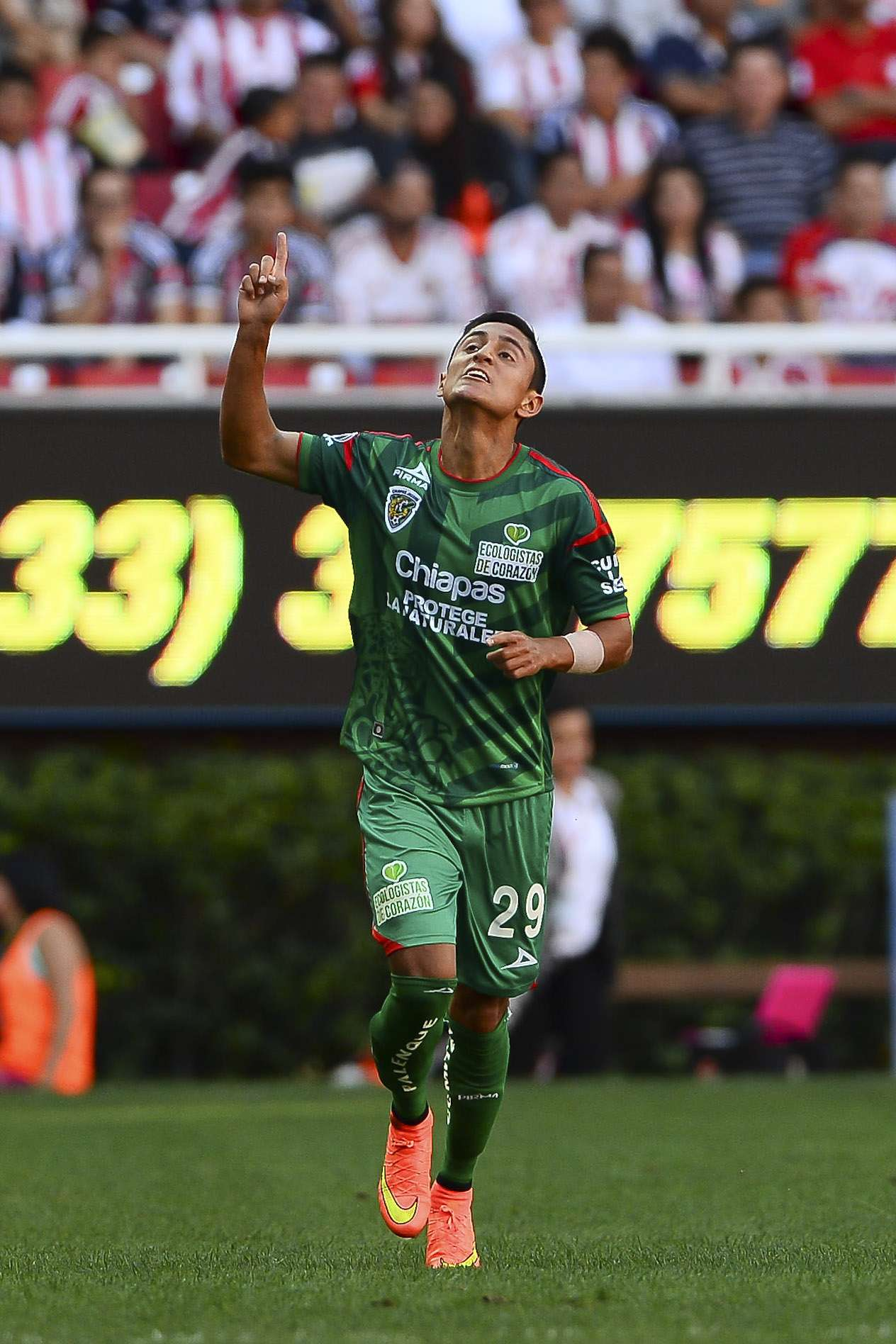 Difícil momento para Julio Nava Foto: Mexsport