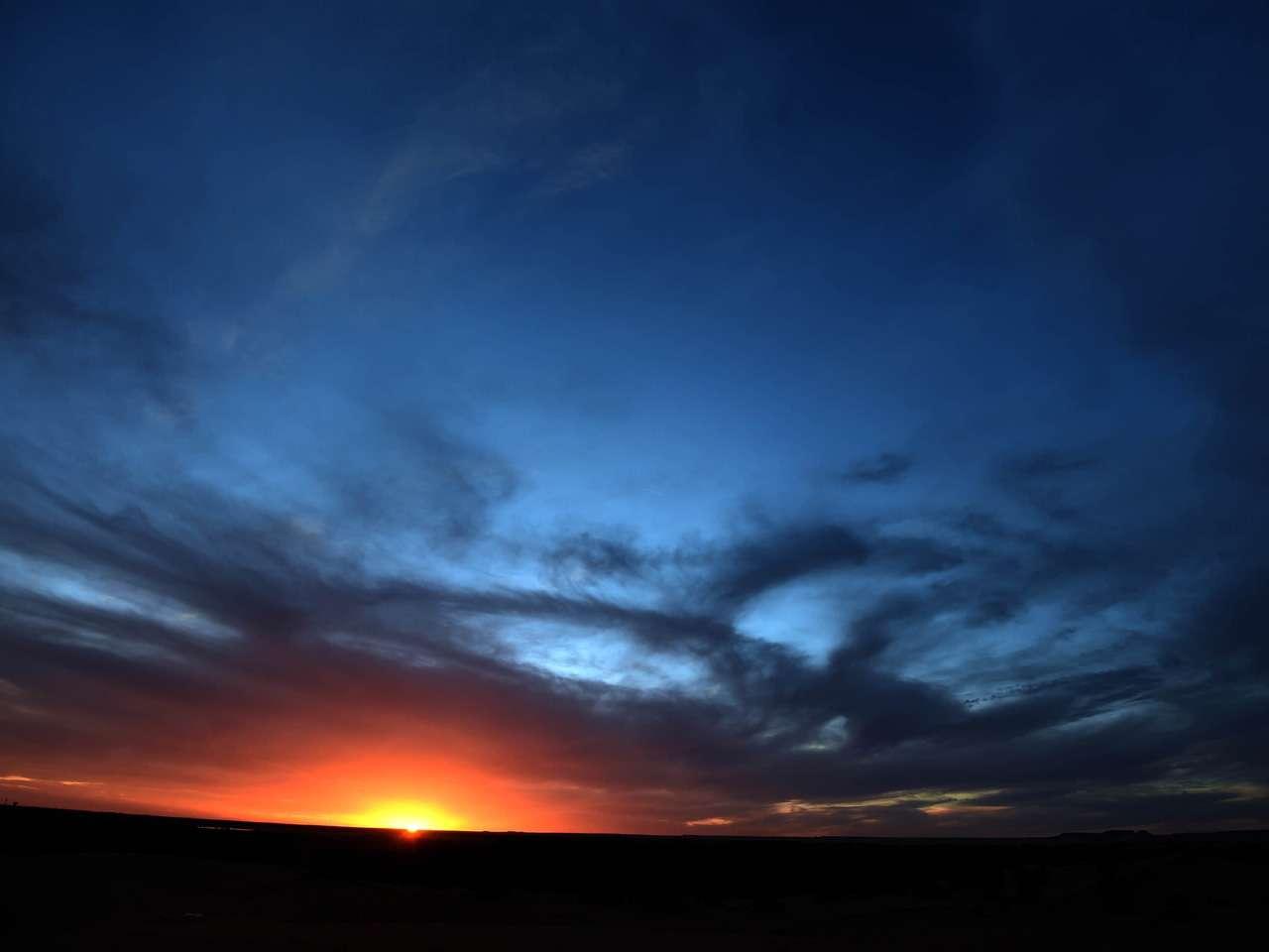 Increíble puesta del Sol en el desierto del Sahara de In-Salah, al sur de Argelia. Foto: AFP en español